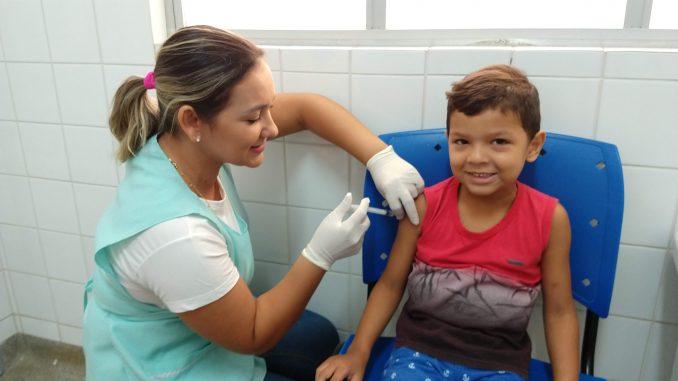Mossoró: Crianças, gestantes e puérperas comparecem ao primeiro dia de vacinação contra Influenza