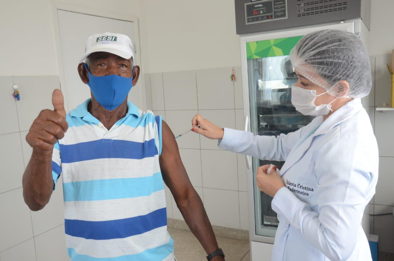 São Gonçalo: UBS dos Jardins vai funcionar em horário diferenciado para vacinação contra a covid-19
